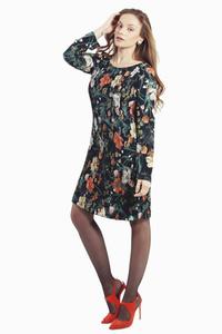 שמלת פליסה פרחונית שחור כתום