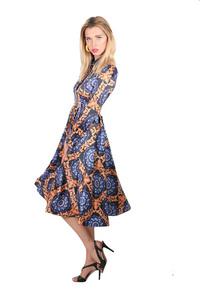 שמלת משי מעוטרת