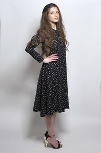שמלת Less Is More מנוקדת